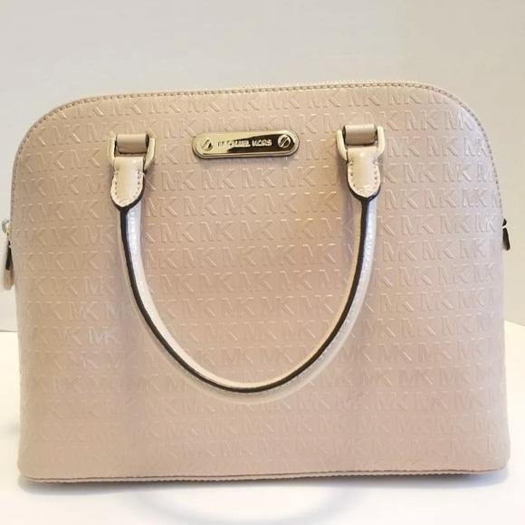 0e86df517f8116 MICHAEL Michael Kors Bags   New Michael Kors Cindy Oyster Dome ...